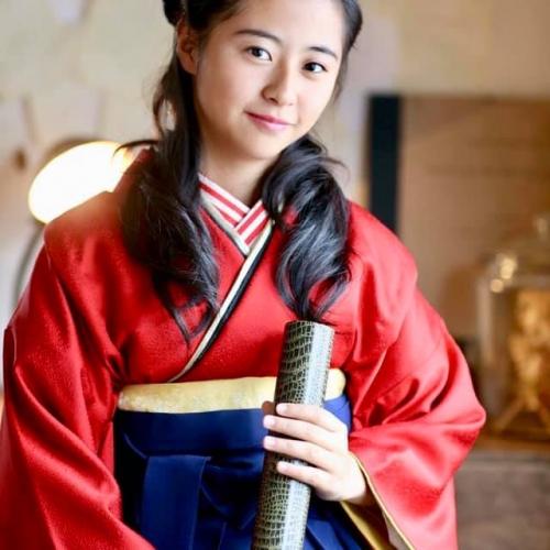 姉妹店「ANTIQUEKIMONO梅鉢」にて2020年卒業袴の受付がはじまります!